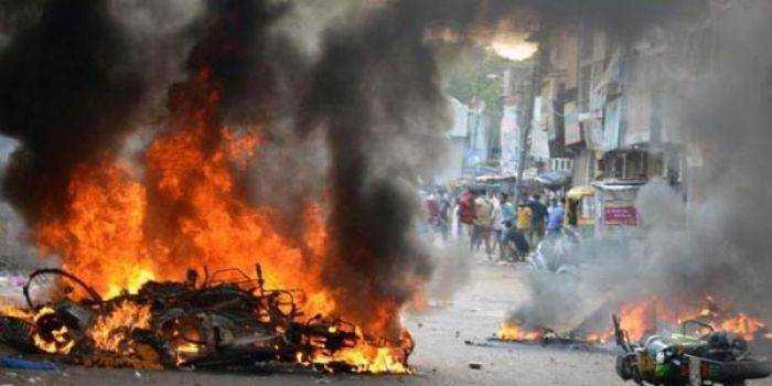 Muslim India Dibunuh & Dibakar