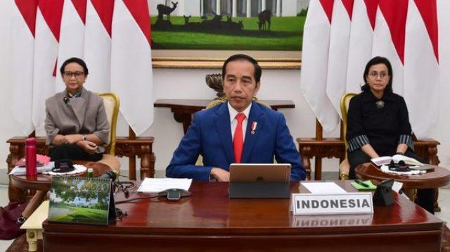 Jokowi Gratiskan Listrik 24 Juta Pelanggan PLN Selama 3 Bulanresiden Joko Widodo bersama dua menterinya