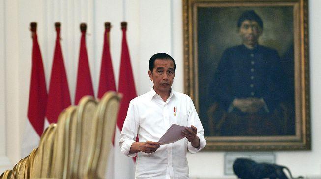 Sering Dikritisi Kader, Pengamat: Jokowi Tak Sejalan Dengan PDIP