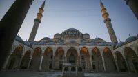 Longgarkan Lockdown, Masjid di Turki Kembali Dibuka