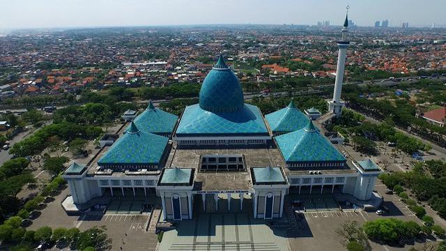 Pemprov Jatim Bolehkan Shalat Id Di Masjid Al Akbar Surabaya, Bagaimana dengan di Kampung?