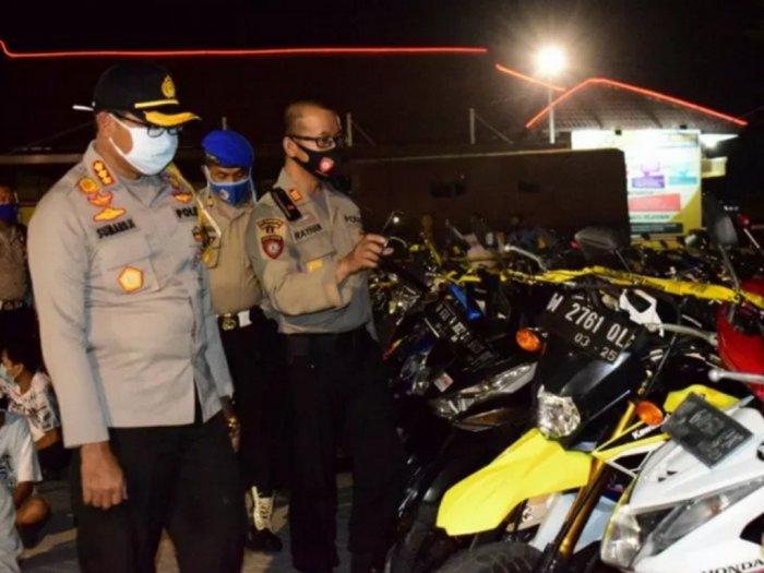 Aksi Balap Liar Di Exit Tol Porong Ditengah PSBB, 500 Pemuda Terjaring Razia