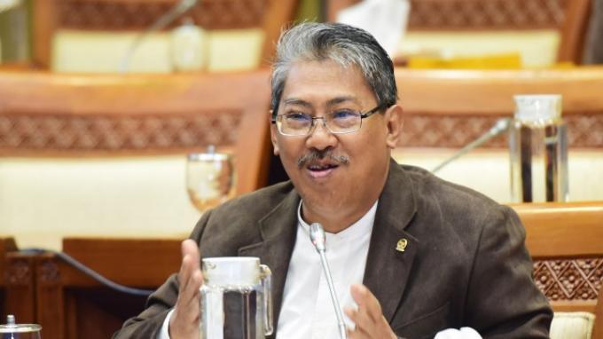BBM Tak Kunjung Turun, PKS: Rakyat Tengah Mensubsidi Operasional Pertamina