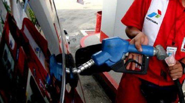 Harga BBM Belum Turun Sebagai Bukti Pemerintahan Jokowi Tak Pro Rakyat