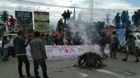 Rusuh, Tak Terima Kedatangan TKA China, Demonstran Sweeping Kendaraan