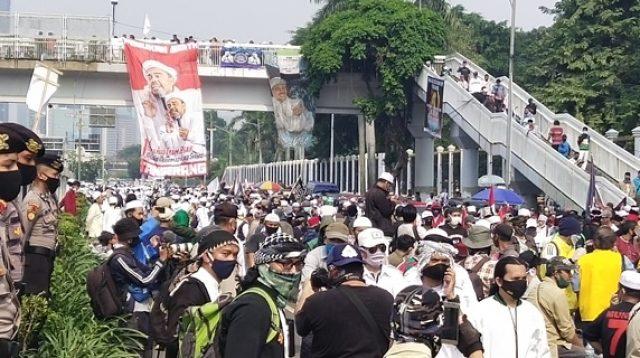 Massa aksi tolak RUU HIP memenuhi Jalan Gatot Soebroto depan gedung DPR RI/RMOL
