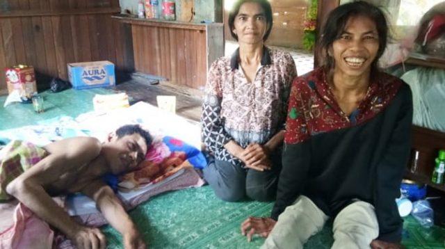 Kisah Pilu Tiga Bersaudara Berjuang Hidup Dalam Kelumpuhan