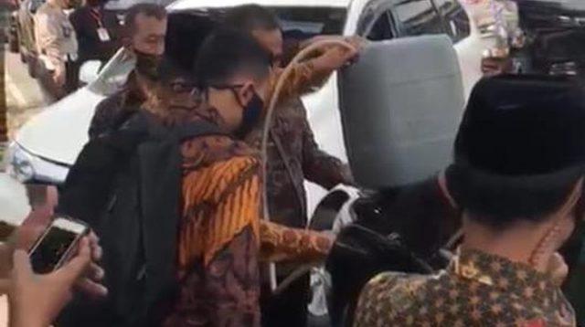 Viral, Video Mobil RI 2 Kehabisan BBM di Jalan, Ini Penjelasan Istana Wapres