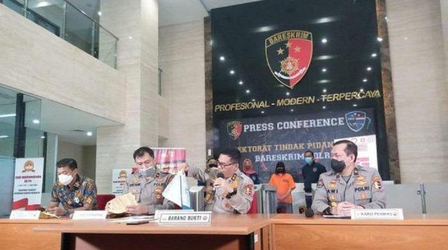 Polri Pastikan Hoax 12 Pasal UU Cipta Kerja yang Tersebar di Medsos