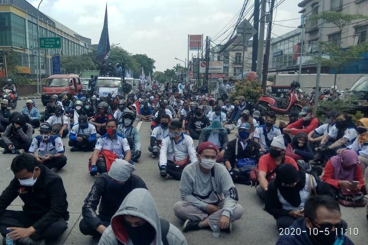 Pemerintah Telah Mengesankan UU Omnibus Law Ciptaker, Buruh Banten Akan Gugat Ke MK