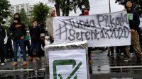 Demo di Gedung Sate, Pemuda Bandung Desak Pilkada Serentak Ditunda