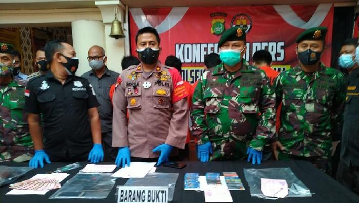 Polisi Tangkap 5 Pria Karena Bobol ATM di Kompleks Kostrad Jaksel