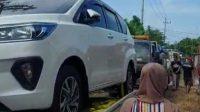 Mendadak Menjadi Milyader Selain Membeli 176 Mobil, Ratusan Warga Desa Melakukan ini dengan Uang Milyarannya