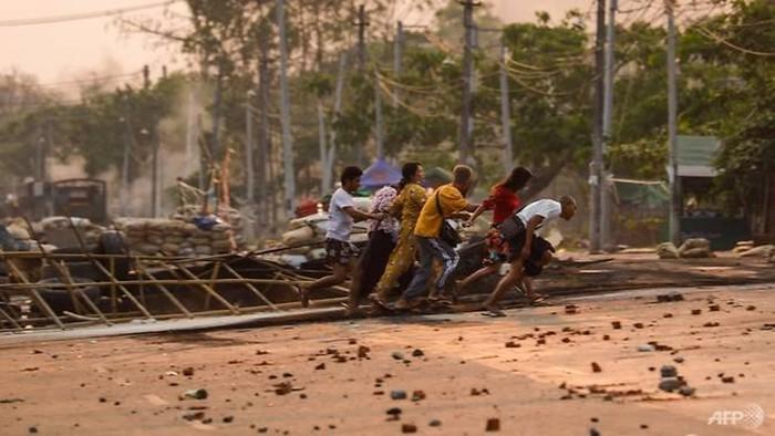 Pekerja China Luka-luka dan Pabrik-pabrik China di Myanmar Dijarah dan Dibakar, Ada Apa Sebenarnya ?!