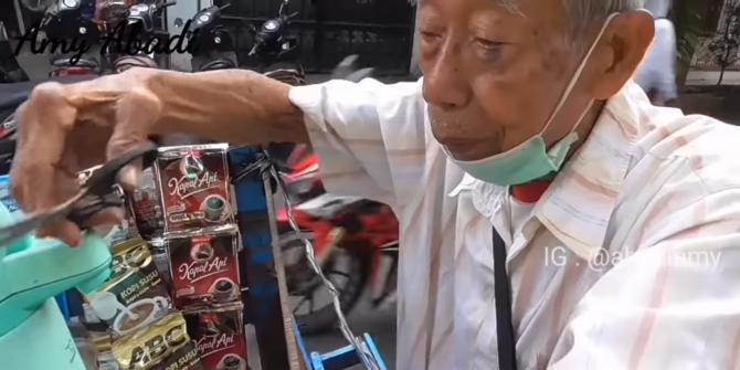 Kisah Pilu Warsito Mantan Ajudan Soekarno, Di Usia Senja Jadi Penjual Kopi Keliling