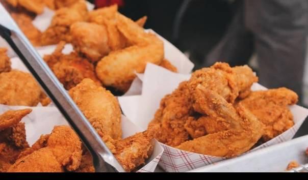 """Bobol Sistem Pemesanan KFC, Mahasiswa di China """"Pesta Makan"""" Selama Enam Bulan"""