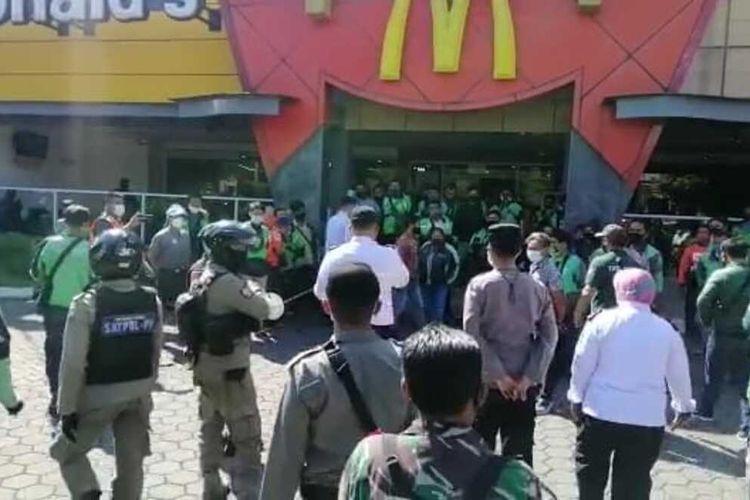 Gegara Kerumunan Order BTS Meal, 32 Gerai McDonald's di Jakarta Dapat Sanksi Penutupan!