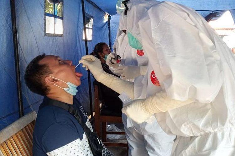 ICW Ungkap Bisnis Tes PCR Covid-19 Sudah Untung Rp 10,46 Triliun Selama Pandemi