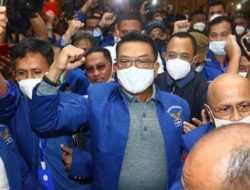 Presiden Jokowi: Ndak Usah Disahkan Pak Moeldoko Meskipun Dia Teman Kita dan Punya Ambisi Politik