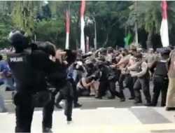 Viral Polisi Banting Mahasiswa Demo hingga Kejang, Kapolres Tangerang: Tak Ada Kekerasan
