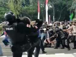 Komnas HAM Kecam Aksi 'Smackdown' Oknum Polisi ke Mahasiswa